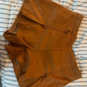 Brown suede shorts amazing condition